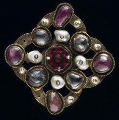 clasp:  Second quarter of the fourteenth century.