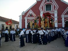 Holy Week in Mompox, Colombia, the most beautiful in our country. La Semana Santa en Mompox, Colombia.