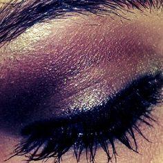 deep eye, eye shadow