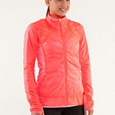 Nothin to hide - run jacket - flash light - lululemon  Must have this jacket in this colour!!!!!