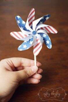 {free printable: 4th of July pinwheels}