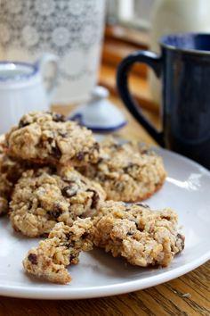 (EASY GLUTEN-FREE) OATMEAL CHOCOLATE CHIP RAISIN COOKIES