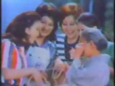 昭和46年(1971)のコマーシャル② 23作品  Japanese TV commercials 1971年(昭和46年)6月ごろに当時としては珍しかった家庭用ビデオで記録されたものです。  タカラみりん  日産チェリー  水戸証券  タケダ殺虫剤メルトン  日立エアコン  じゃーにーコニカ/井上順  交通安全  バイタリス  フジカラーN100フィルム  角栄団地分譲  コダックカラーフィルム  新三共胃腸薬  秋葉原・ナカウラ  サントリーウィスキー  ブラウンひげそり  ミリオンテックス服地  森永ハイソフト  キューピードレッシング  サクマのチャオ  ニッカウィスキー  マムシドリンク/ケーシー高峰  ゼノールプラスター  山一證券