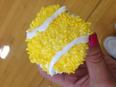Tennis cupcake