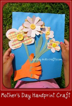 mother's day craft; a handprint craft that can easily be completed by a 1st or 2nd grader.