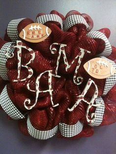 Alabama Crimson Tide deco mesh wreath.. i WILL be making one of these for football season! RTR!!!