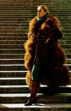 L'Officiel magazine  1971  Ungaro fur coat