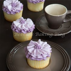 A monochromatic ruffle cupcake gives the illusion of a whimsical fabric, learn how!