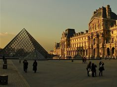 Love Context Travel for in-depth walking tours - if you love history, art, architecture, culture - you might love them too! Walking tours all over the world, including Paris, NYC, Rome, London, Shanghai, Kyoto, and many more