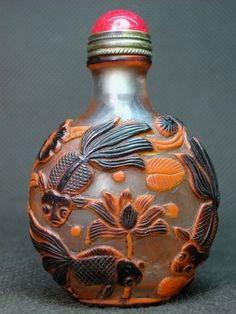 Chinese Carved Peking Glass Snuff Bottle, Goldfish, Lotus, Frogs