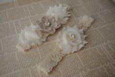 Burlap Wedding Garter, Cream Lace Garter via Etsy.