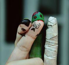 macabre finger puppets