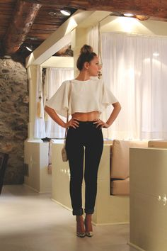 White flowy crop top, black high waisted skinnies and metallic pumps