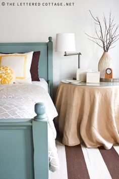 Love this blue painted bed. @Sarah Nasafi Palmer Oh, miss Layla, what colour is that blue??