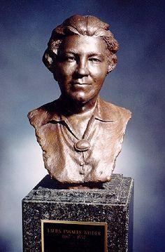 Bronze Laura