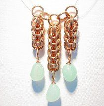 This Full Persian and Aqua Jasper Pendant makes a beautiful and elegant necklace to wear on an evening out. This chain maille jewelry pattern is the perfect DIY going-out necklace.