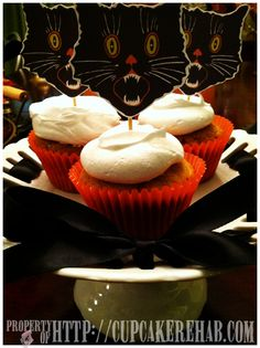 Cupcake Rehab - Pumpkin cupcakes with whipped cream frosting.