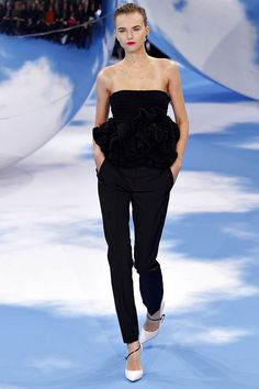 Christian Dior Fall 2013 RTW - Review - Fashion Week - Runway, Fashion Shows and Collections - Vogue