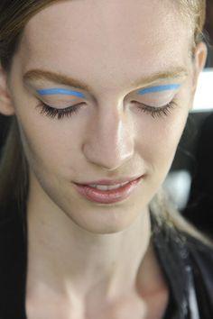 Spring Summer 2013 Beauty Trends Video - Karlie Kloss (Vogue.com UK)