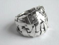 Gurgel-Segrillo - woven series ring band, in fine silver