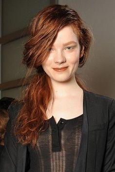 ten rengine uygun saç rengi  http://www.yenisacmodelleri.com/ten-rengine-uygun-sac-renkleri-nelerdir.html