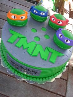 TMNT Cake! The heads were made out of Rice Krispy Treats!!! cake tmnt, cake decor, tmnt cakes, tmnt party cake