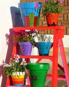 Decoracion y diseño-Decoración Living- DECOCASA » Macetas pintadas: vida y color para nuestras plantas
