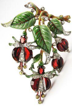 Trifari 'Alfred Philippe' Ruby Demilune Three Enamel Leaves Fuchsia Pin.