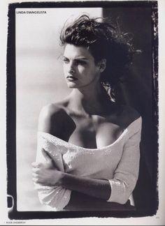 Linda Evangelista   photo by Peter Lindbergh.