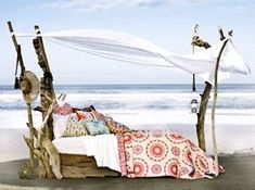 driftwood bed..awesome