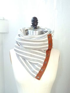 Cream & gray Chunky circular infinity scarf