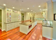 Painted Georgian style kitchen by Chicone Cabinetmakers