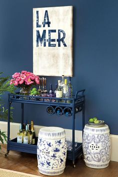 Blue and White- Chinoiserie-inspired garden seat