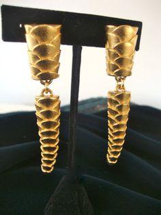 Vintage Escada Dangle Earrings in Warm Gold by CrimsonVintique, $80.00  #vintage #vjse2 #jewellry