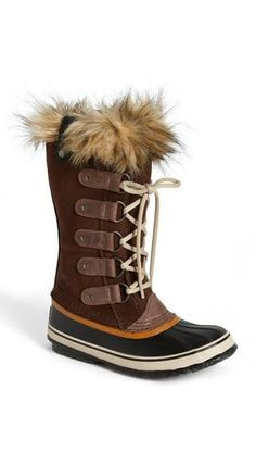 Warm boots! Want!!!!