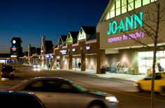 Robinson Town Center has all kinds of shopping and dining options in this area (Strip Mall) http://pinterest.com/hamptoninnmonro/ #hamptoninnmonroeville http://www.facebook.com/#!/HamptonInnMonroeville #pittsburghhotel
