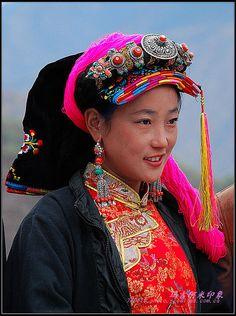 Tibet   Wonderful Regional Headdress and Ornaments   © BetterWorld2010
