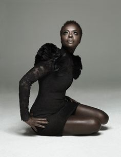 Actress Viola Davis Reveals Her Natural Hair! - the actress from The Help...she's looks awesome!!!!