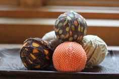 decorative balls for fall - DIY with scrap fabric