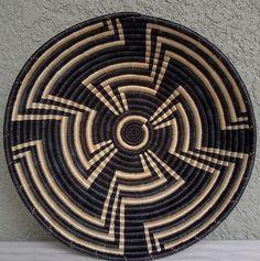 Rawandan basket with a great maze motif