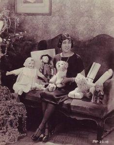 vintage xmas w/ Gloria Swanson, 1920
