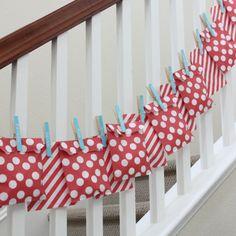 Cute Advent Calendar Idea favor bags, party favors, christmas countdown, clothespin, party bags, advent calendars, activity bags, goodie bags, calendar idea