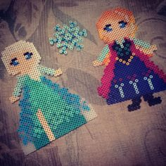 Queen Elsa and Princess Anna - Frozen perler beads by jazzy_fayy10