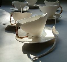 Roos van de Velde also had an interest in doing industrial design such as tea cups and cutlery. This work looks like a piece of art as you can see a wonderful shape . i love the way a spoon curve with a nice hand stick - Roos van de Velde Tableware for Serax