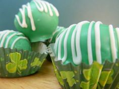 Thin Mint Truffles for St. Patty's Day! #stpattysday #thinmintcookies