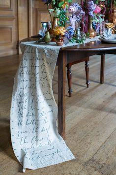 calligraphy #table-runner Photography: Ann Kathrin Koch - Annkathrinkoch.com