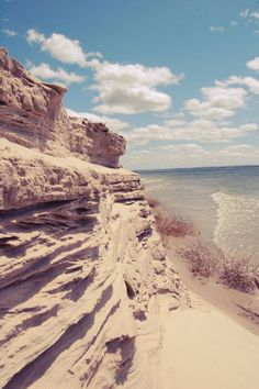 #Lake McConaughy, Nebraska  #Travel Nebraska USA multicityworldtravel.com We cover the world over 220 countries, 26 languages and 120 currencies Hotel and Flight deals.guarantee the best price