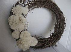 My Favorite Finds: Wednesday Pinterest Favorites {Winter Wreaths}