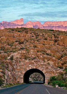 WOW! This Texas drive is just over 250 miles long and each day you'll feel like your on the backdrop of a classic Western movie. Hit the image for more details of this secret RoadTrip route that will mesmerise you. #spon #texas #roadtrips