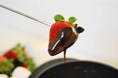 Super easy Chocolate & Honey Fondue.  Such fun dessert